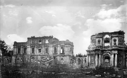 历史真相:为什么火烧圆明园不烧紫禁城?