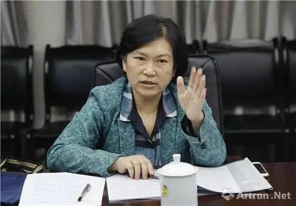 武大新闻系主任辞职:高校已放不下三尺讲台