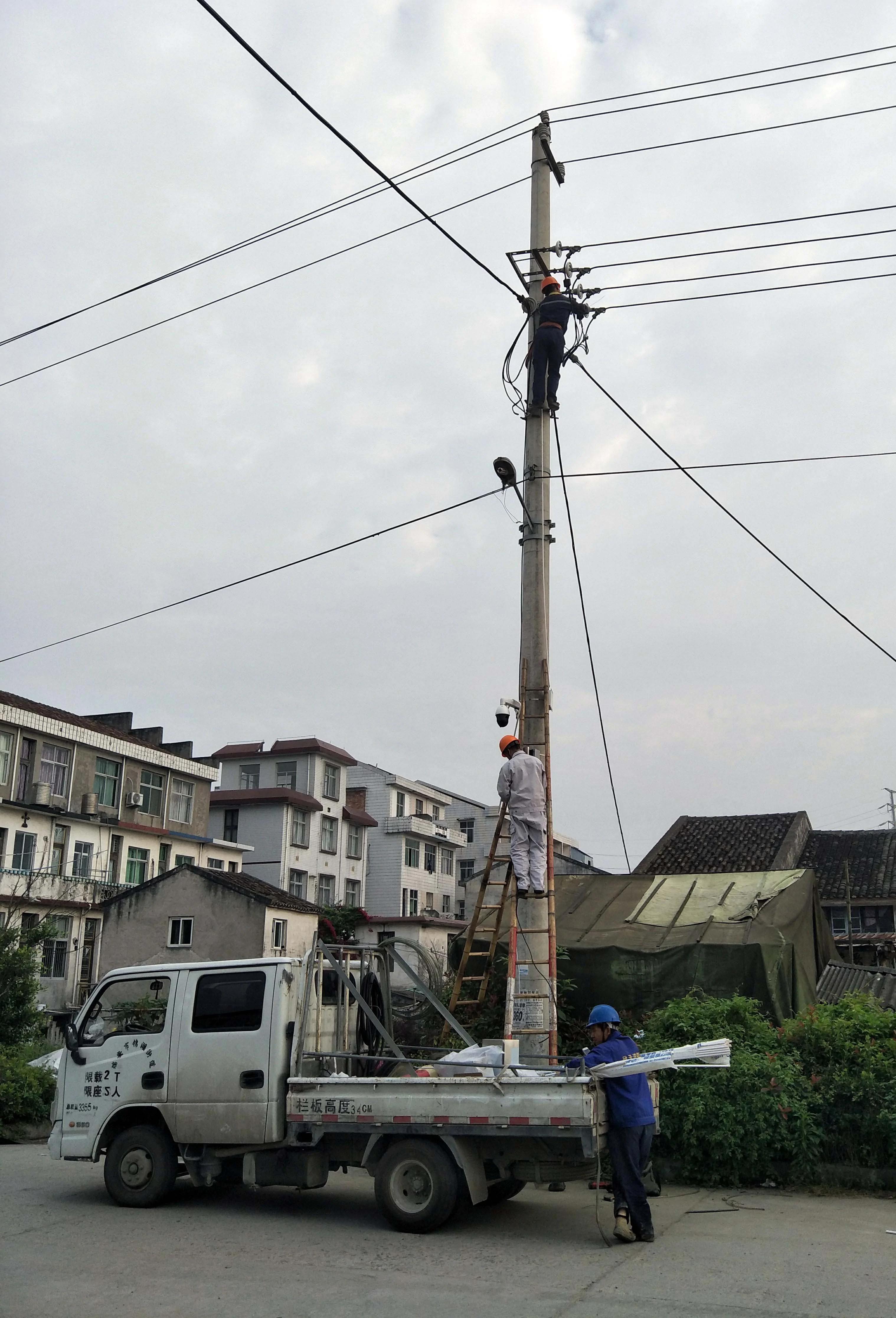 温州阁三村教堂信徒被逼无奈 当局强行安装监控探头