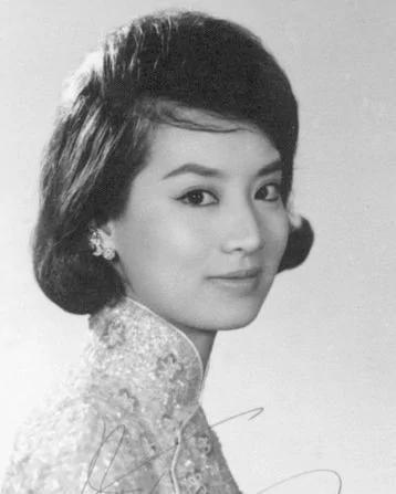 她是台灣第一代玉女明星,如今70歲癱瘓在床