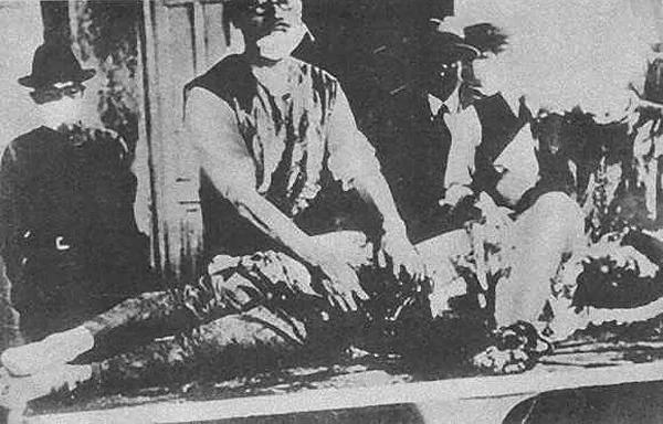"""假的!这幅照片长期被中共用作""""日军731部队""""活体解剖照"""