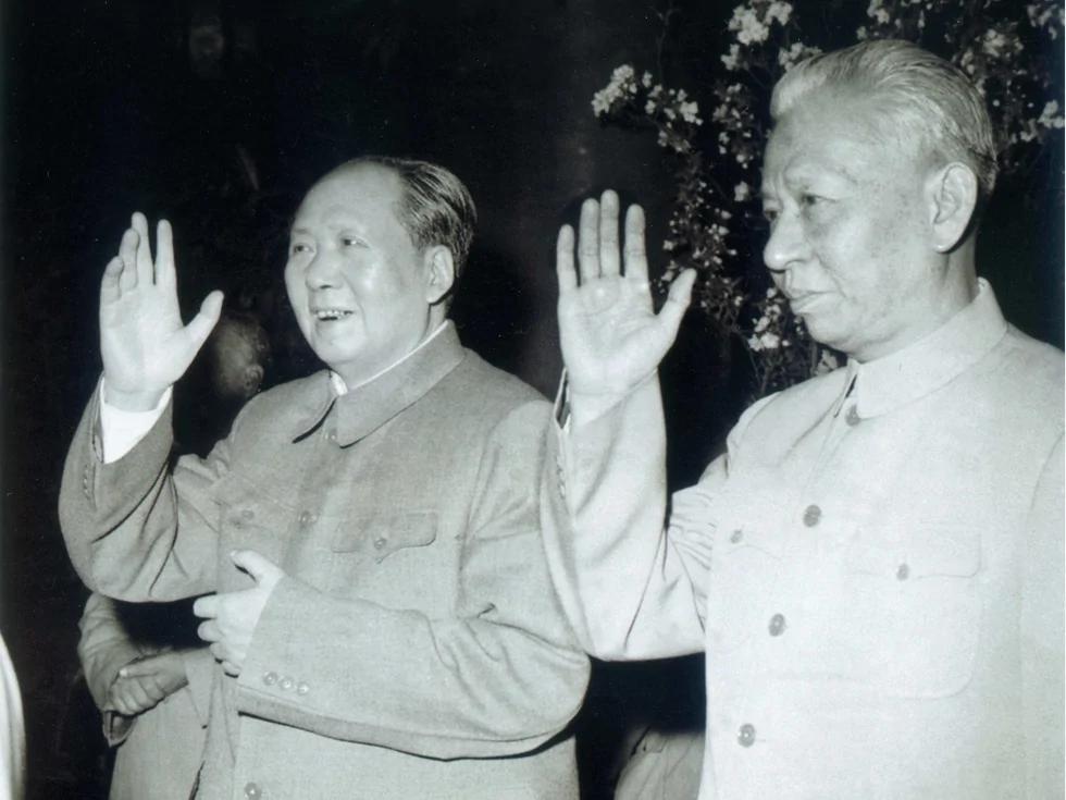 毛泽东为什么打倒刘少奇:四大原因导致决裂