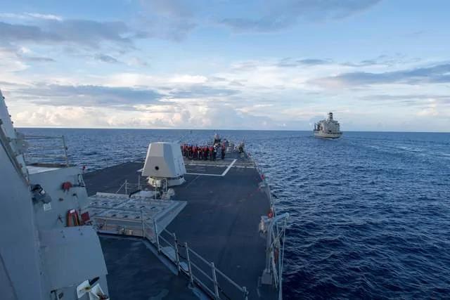 美媒:美舰曾在中共人工岛旁逗留 明确表达不承认中共南海主权