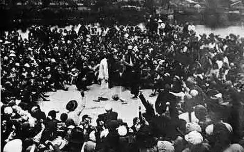 女作家土改小说遭左派文革式批判 真实的性酷刑惨烈无数倍