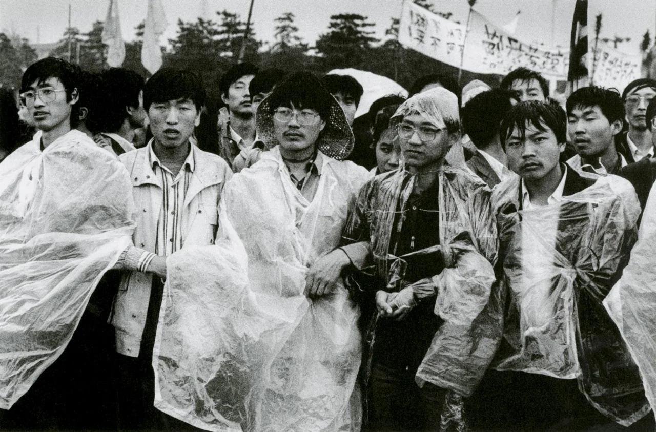 六四早上看到的北京街道 改变了红二代副行长的人生(组图)