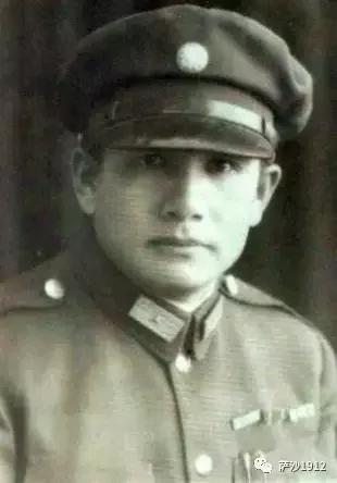 抗战中九死一生:张灵甫将军是怎样变成了跛脚将军的?