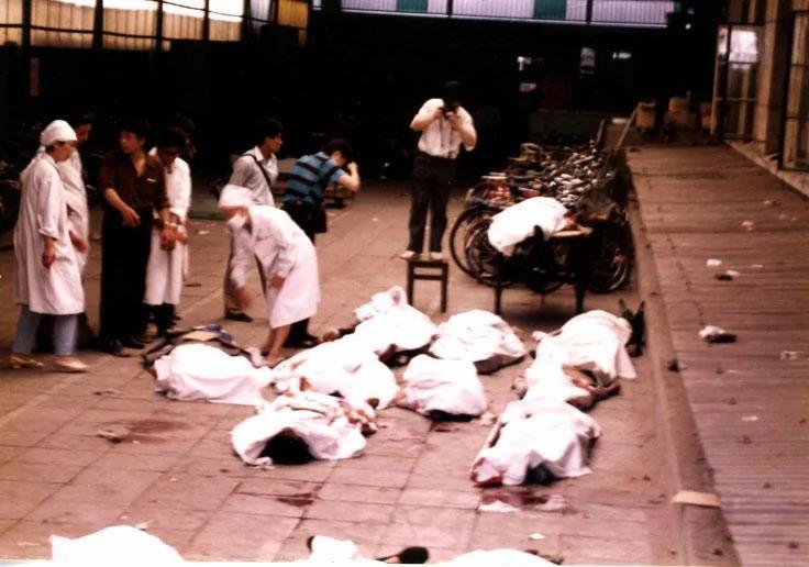 六四共军戒严部队疯狂杀北京人的原因