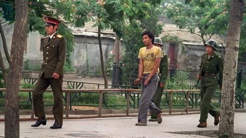 八九民运之秋后算账 文化部下有对策 王蒙辞职不见戒严部队
