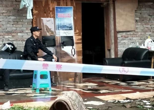 重庆强拆房屋网上求救 半百网民聚集对抗