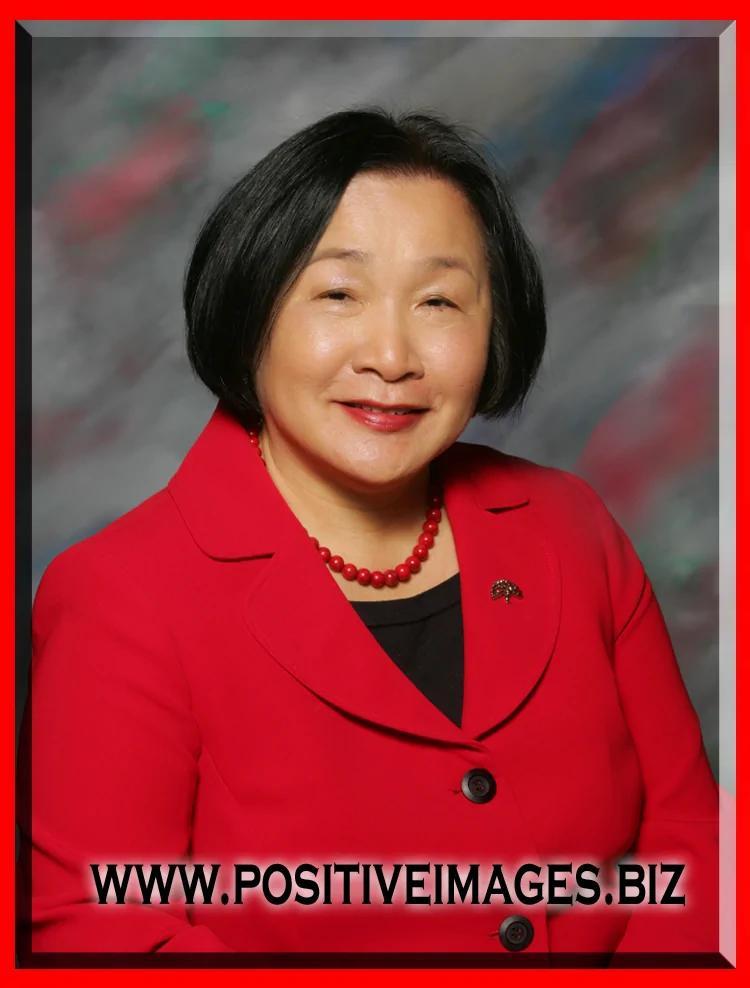 她是美国奥克兰前市长,关丽珍。
