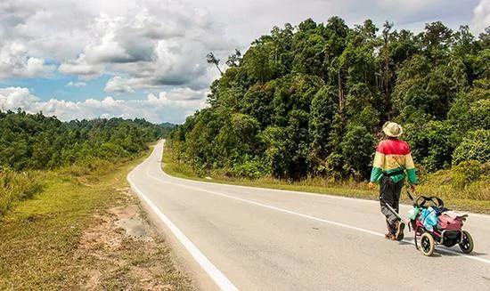 徒步婆罗洲原始密林 追寻本南族游猎部落