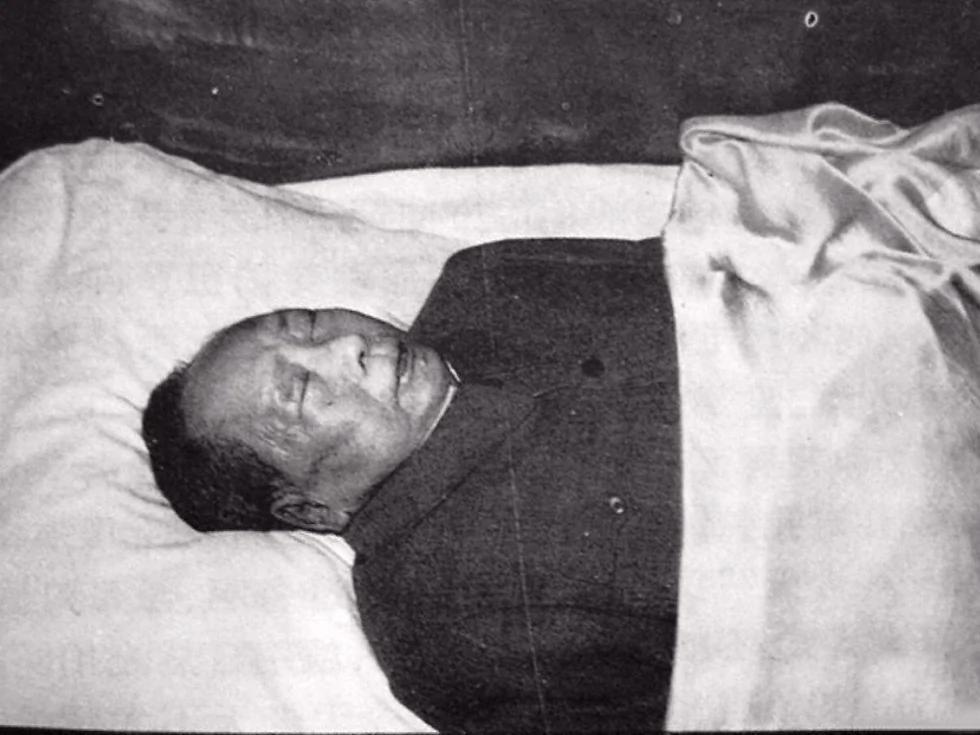 毛泽东晚年发病与救治始末 三次心梗终告不治内幕