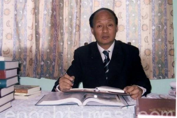 上海律师郑恩宠:党章拿掉三个代表 审判江泽民就不远了