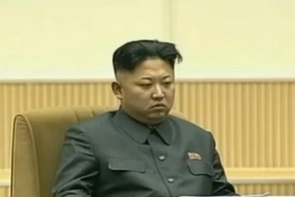金正恩防斩首缺席庆祝会 美军应对ICBM开发小卫星