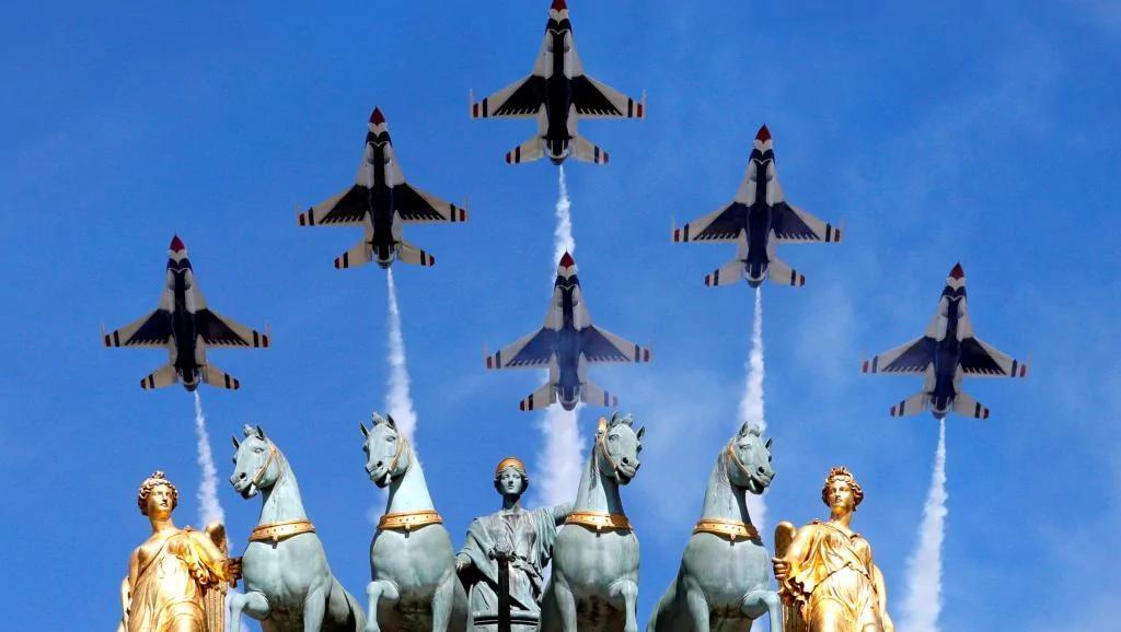 法国国庆阅兵式 今年特邀嘉宾是特朗普和美国三军士兵