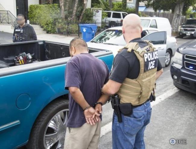 ICE增万名探员 加强逮捕无证客
