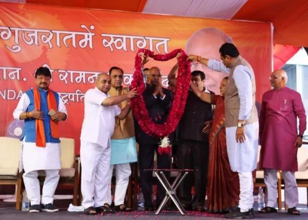 贱民当选印度总统 为莫迪进一步巩固政权
