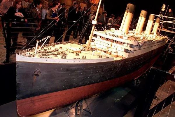 铁达尼号唯一存活副船长 隐忍半生 终于公开不为人知的沉船故事