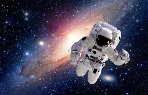 宇航员在太空中遇到的奇怪现象