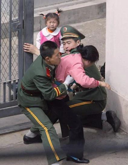 拒绝回朝鲜 脱北者一家五口在中国服毒身亡