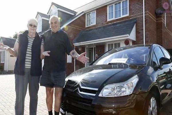 留英陆生回国过暑假 迳自留字条要邻居帮他照顾车及仙人掌