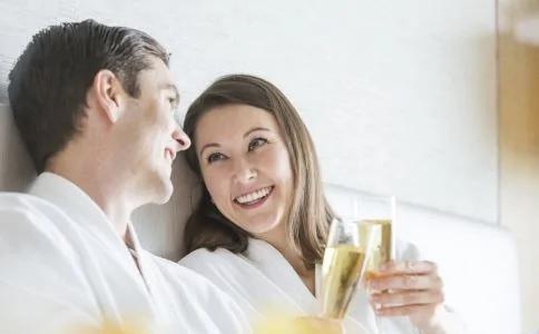 五种情况下最好不要喝酒,丢了健康对人体的危害却很大
