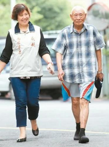 乡愁70年 97岁台湾抗战老兵回川:我要用脚走回家