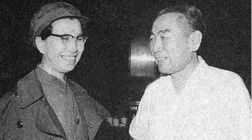 """周恩来、林彪与""""三支两军""""的关系"""