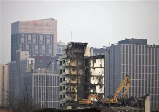 中国举债难再撑增长 彻底经改觅出路