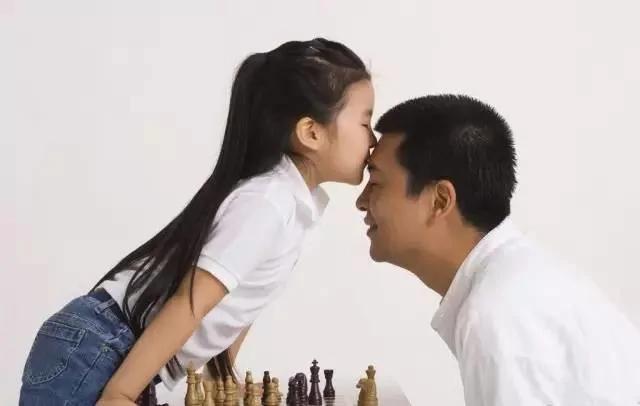 今天的中国 有一个很可怕的现象:全民富二代