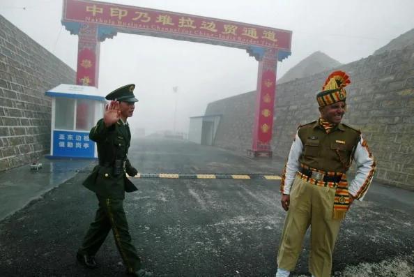 第77军增援西藏军心动摇 印媒:中共只会狂吠不敢动武