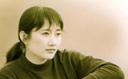 王刚前妻成方圆56岁近照 曾获得中国多个第一 现生活成这样