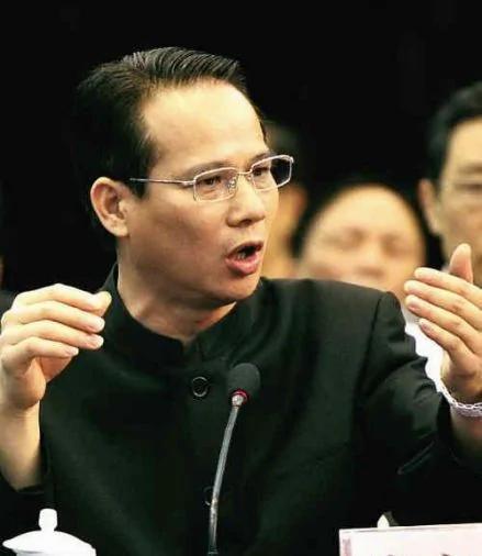 「中國性都」受三常委庇護 如今1常委入獄 2常委逍遙