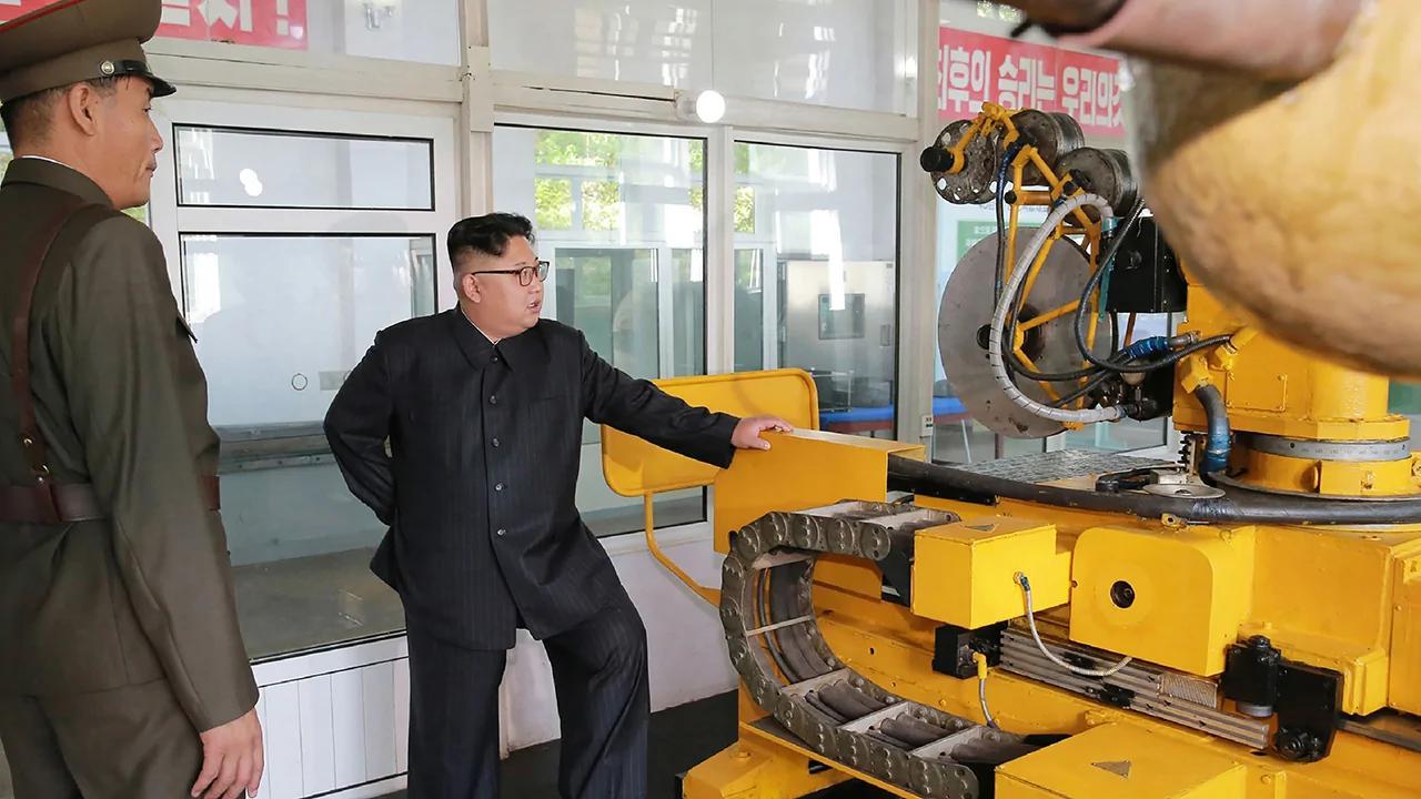 朝下令增产导弹引擎 美新制裁名单添中俄企业