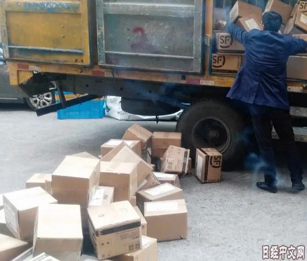 中国电商遇到新问题——纸箱短缺