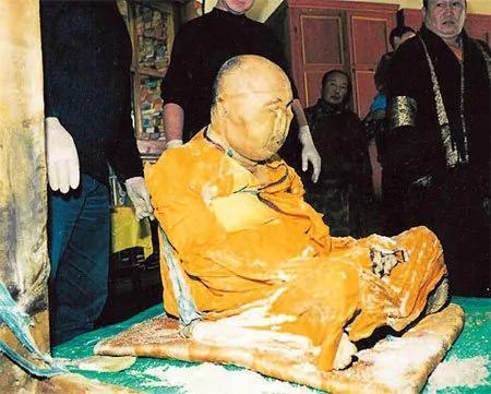 俄高僧90年前下葬肉身至今不腐