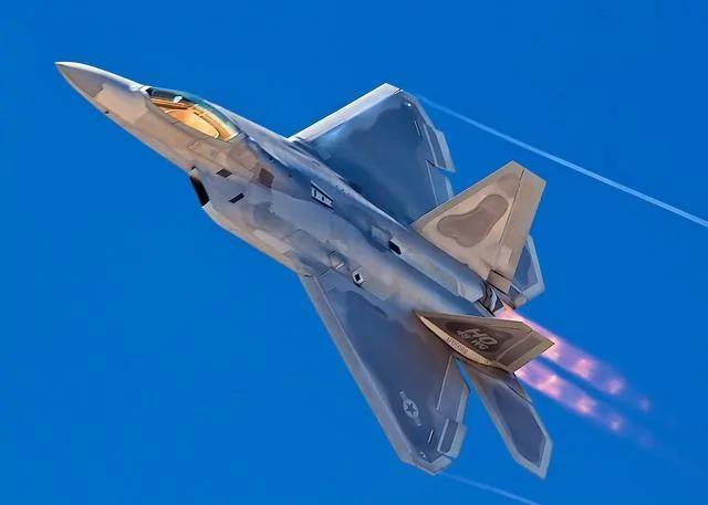 """美国空军正在给F-22""""猛禽""""战斗机一项新任务:狙击手"""