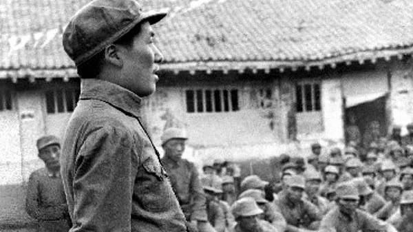 """毛泽东的""""品牌化""""、神化及其退化"""