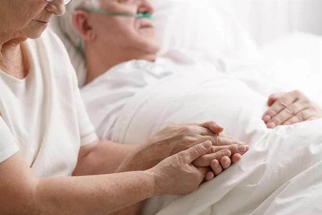 科学家发现:人死后意识在 能听到医生宣布死讯