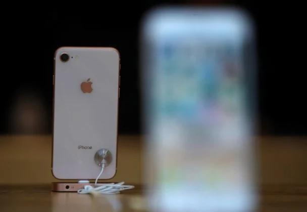 iPhone 8銷售不似預期 蘋果跌2.5%