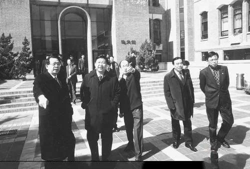 """破常委惯例 习近平人事""""大管家""""顶替刘云山"""