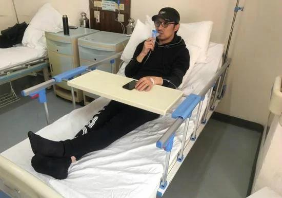 汪峰演唱会前生病