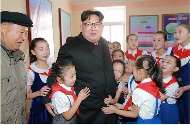 """金正恩登白头山被指""""谋划大事"""" 起底朝鲜金家王朝"""