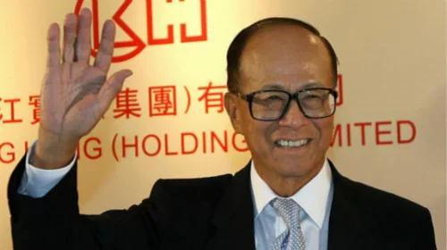 近年香港首富李嘉诚频频出售手中资产
