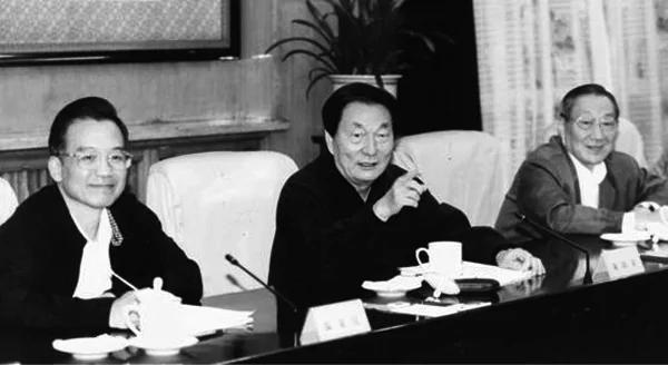 江泽民用心腹李岚清制约朱镕基内幕被曝光 李还同意江做这事