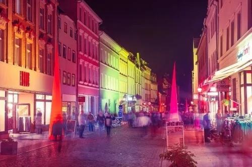 一帮中共干部在欧洲找红灯区的爆笑经历