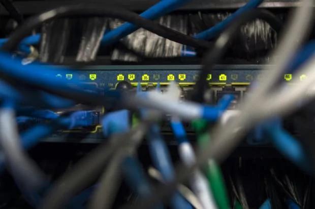 美国遭网络攻击损失千亿!这个坑大了