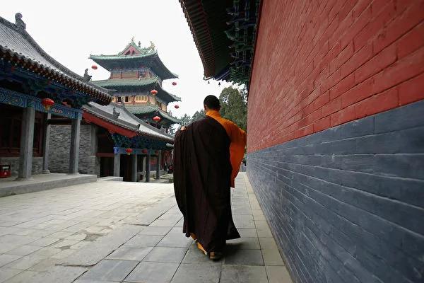 爱德华:全世界只有中国寺庙收门票