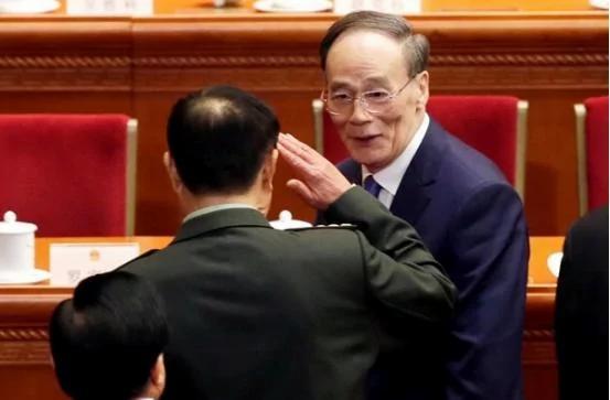 微博精粹:老王二出山 范将军立马敬礼…吓的?