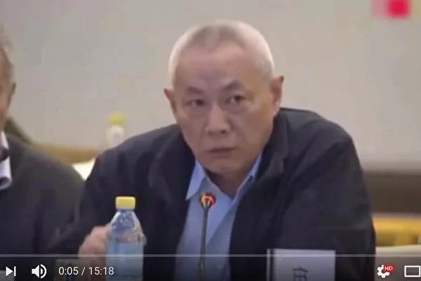 """任志强2月25日参加中国经济50人论坛,""""大炮""""本色依旧不减当年。(视频截图)"""